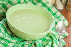 Sopa de creme dos brócolis imagem de stock