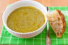 Sopa de creme dos brócolos e da batata Fotos de Stock