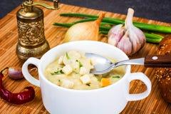 Sopa de creme vegetal com pão torrado Fotografia de Stock Royalty Free