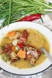 Sopa de ervilha com carne fumado Fotografia de Stock