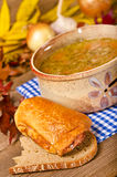 Sopa de ervilha (Grochowka polonês) Fotografia de Stock Royalty Free