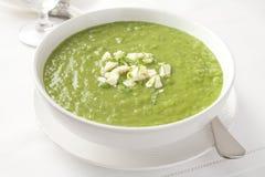 Sopa de ervilha verde fresca Imagens de Stock Royalty Free