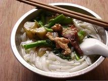 Sopa de fideos china del arroz de la comida Fotos de archivo