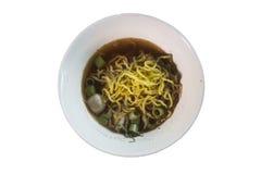 Sopa de fideos del arroz con cerdo guisado con estilo tailandés Fotos de archivo libres de regalías