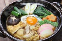 Sopa de fideos del udon del nikomi del Miso, comida japonesa Foto de archivo libre de regalías