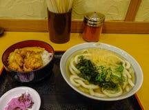 Sopa de fideos del Udon para el almuerzo fotos de archivo