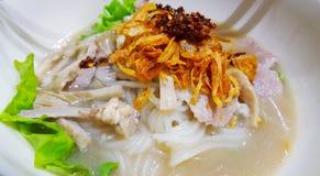Sopa de fideos o pinchazo vietnamita Yuan de Guay en Tailandia Foto de archivo libre de regalías