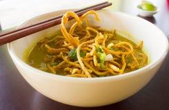 Sopa de fideos picante del curry Fotografía de archivo libre de regalías