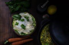 Sopa de fideos tailandesa del pollo Imagen de archivo libre de regalías