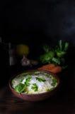 Sopa de fideos tailandesa del pollo Fotos de archivo