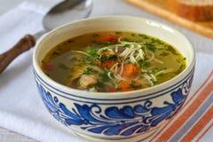 Sopa de galinha caseiro Imagem de Stock Royalty Free