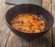 Sopa de galinha caseiro Fotos de Stock