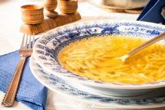 Sopa de galinha com macarronetes Imagens de Stock Royalty Free