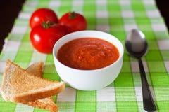 Sopa de Gazpacho do Fim-acima fotos de stock