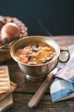 Sopa de habas roja de riñón con las zanahorias y la cebada Imagen de archivo libre de regalías