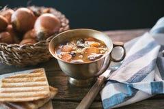 Sopa de habas roja de riñón con los carots y la cebada Foto de archivo libre de regalías