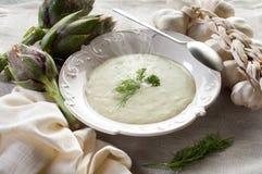 Sopa de la alcachofa foto de archivo