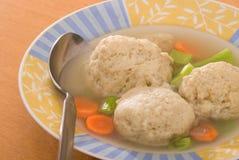 Sopa de la bola del Matzah imágenes de archivo libres de regalías