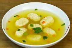 Sopa de la bola del Matzah del pollo   Fotos de archivo