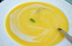 Sopa de la calabaza Fotos de archivo