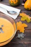 Sopa de la calabaza de otoño Imagen de archivo