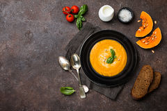 Sopa de la calabaza y de la zanahoria Foto de archivo