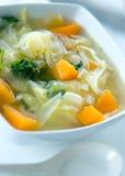 Sopa de la col sana y de patata dulce Imagen de archivo