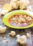 Sopa de la coliflor fotos de archivo