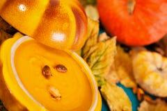 Sopa de la nata de la calabaza Imagen de archivo libre de regalías
