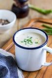 Sopa de la sopa de pescado de los salmones y de maíz Imágenes de archivo libres de regalías