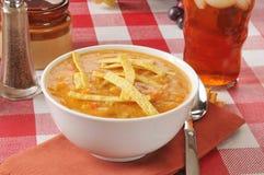 Sopa de la tortilla del pollo Imagen de archivo