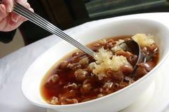 Sopa de Longan com o fungo de geléia branco Fotos de Stock
