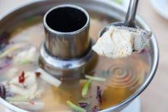 Sopa de los pescados de Tom Yum Thai Imagen de archivo libre de regalías