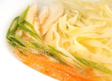 Sopa de macarronete com galinha Foto de Stock