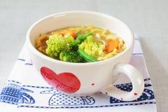 Sopa de macarronete da galinha Imagem de Stock Royalty Free