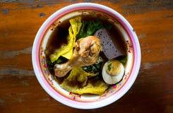 Sopa de macarronete da galinha Alimento tailandês - fritada #6 do Stir imagens de stock royalty free
