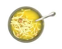 Sopa de macarronete da galinha com colher Fotos de Stock Royalty Free