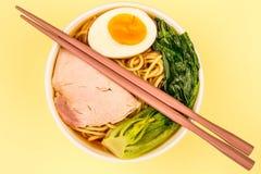 Sopa de macarronete dos Ramen da carne de porco do estilo japonês Imagens de Stock Royalty Free