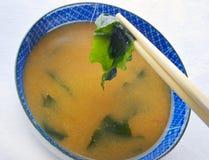 Sopa de miso japonesa com Wakame Imagem de Stock