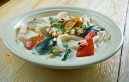 Sopa de peixe de peixes do coco Imagens de Stock Royalty Free