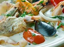Sopa de peixe de peixes do coco Fotos de Stock Royalty Free