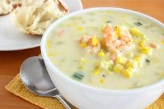 Sopa de peixe do camarão e de milho Foto de Stock