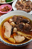 Sopa de pollo con las setas del Agaricus Imagen de archivo libre de regalías
