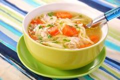 Sopa de pollo con los tallarines Imagen de archivo