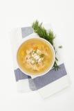 Sopa de pollo en blanco fotografía de archivo libre de regalías