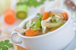 Sopa de pollo fresca Fotos de archivo libres de regalías