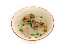 Sopa de pollo tailandesa en leche de coco Imágenes de archivo libres de regalías