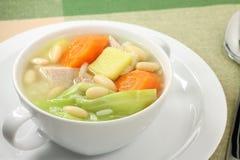 Sopa de reforço de carne de porco e vegetal Foto de Stock