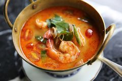 Sopa de Shimp tom yum, alimento tailandês fotos de stock