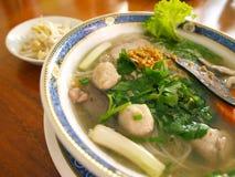 Sopa de tallarines asiática Fotos de archivo libres de regalías